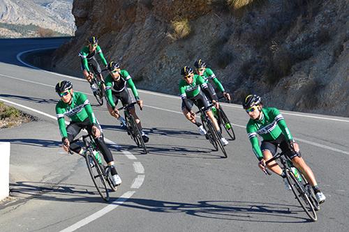 seis ciclistas de Caja Rural