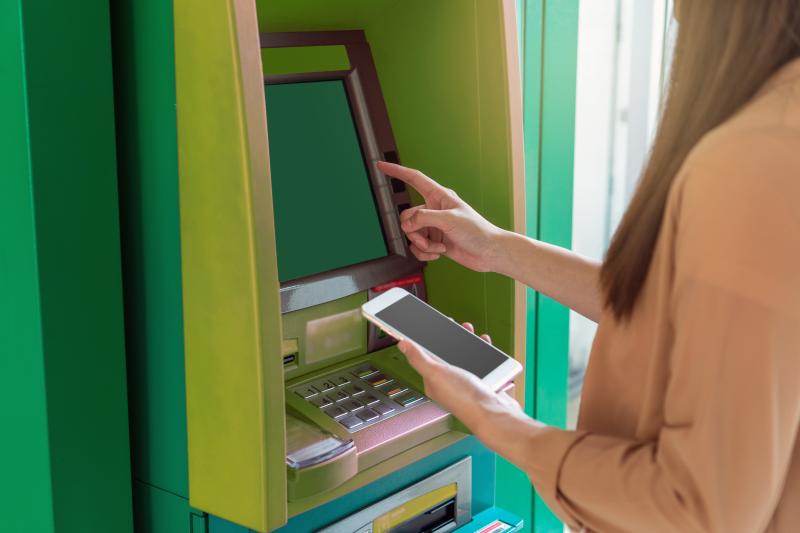 cajeros automáticos CRC